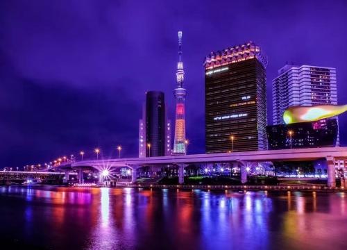 アウトレットモールでのショッピングと東京の夜景を楽しむプラン
